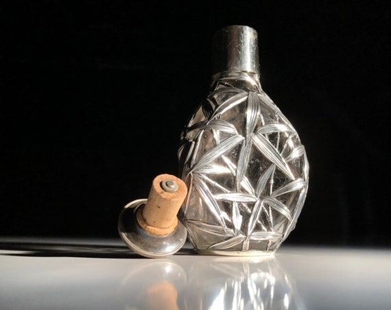 1895 Chinese Export Sterling Silver Salt Handblown Glass Overlay Pinch Bottle