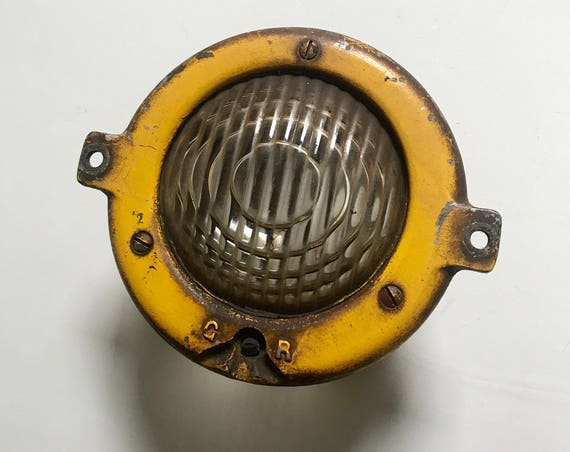 Locomotive Headlamp Assembly