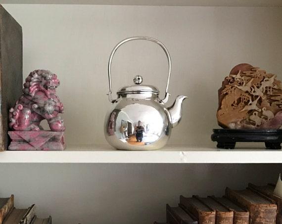 Japanese Meiji Pure Silver Teapot by Fujimoto (Kyushu, Japan - 1868-1900)