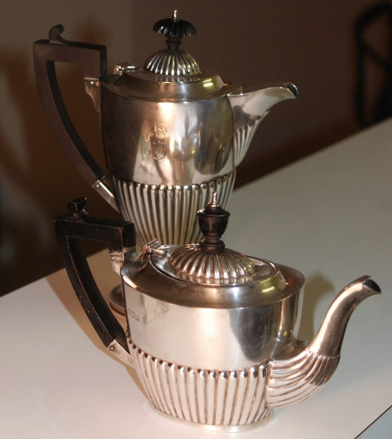 1903 Sterling Silver Charles Boyton III London Teapot with Ebony Finial and Handle Edwardian