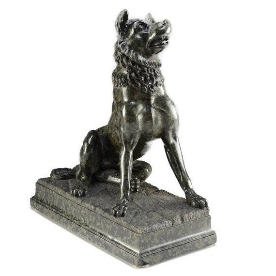 1875 European Carved Serpentine Dog Sculpture Statue