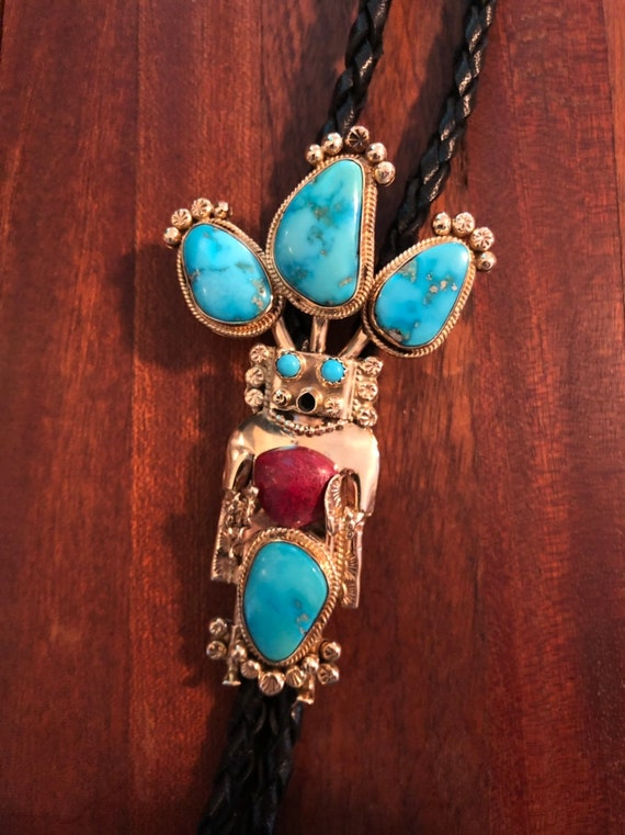 Important 14K Gold and Turquoise Hopi Snake Dancer Kachina Bolo Tie - Native American (66.5 grams)