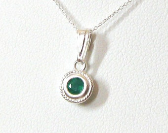 Green Onyx Gemstone Solitaire Pendant Necklace Sterling Silver, 4mm Emerald Green Stone, Choose 16 or 18 inch 925 Chain