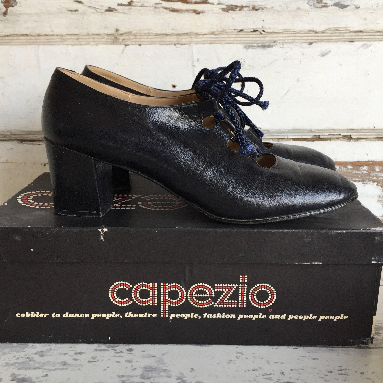 """Vintage Capezio Shoes Oxford Pumps- Navy Blue 2"""" Tie Heel Size 7.5 1960s Tie 2"""" Up Shoes c0149e"""
