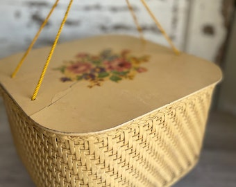 Vintage Wicker Sewing Basket - Princess Algonquin Illinois - Picnic Basket