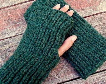 Mens Fingerless Gloves KNITTING PATTERN Chunky Yarn Gift for Him Boyfriend Gift for Dad Easy Knit Glove Pattern Digital Download /DARA
