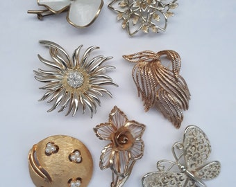 Vintage Brooch Collection Gold Sparkle Faux Pearls - Set of Seven