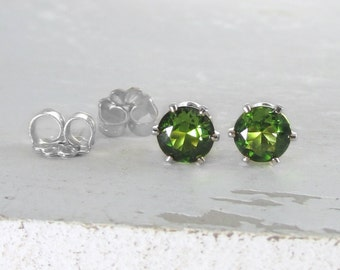 Silver Stud Earrings Peridot Earrings August Birthstone Earring Green Stud Earrings Peridot Earrings Birthstone Jewelry Holiday Gift For Her
