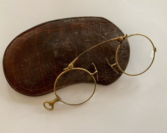 f22a848bf8c6 vintage antique pince nez round glasses - with case- 14k gold