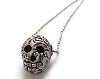 Day of the Dead Dia de los Muertos Silver Skull Necklace