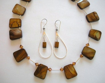 Brown Mother of Pearl Trapazoid Necklace Set