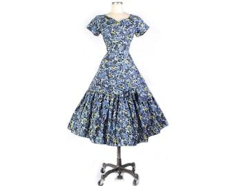 Vintage 50s Party Dress - 50s Novelty Print - 50s Full Skirt Dress - 50s Party Dress - 50s Floral Dress - Victorian Scenes - Horse Print - L
