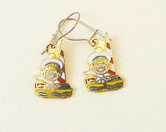 Vintage Aviva Kidlinks by Marty Links Child on Sailboat Enamel Earrings 69-2