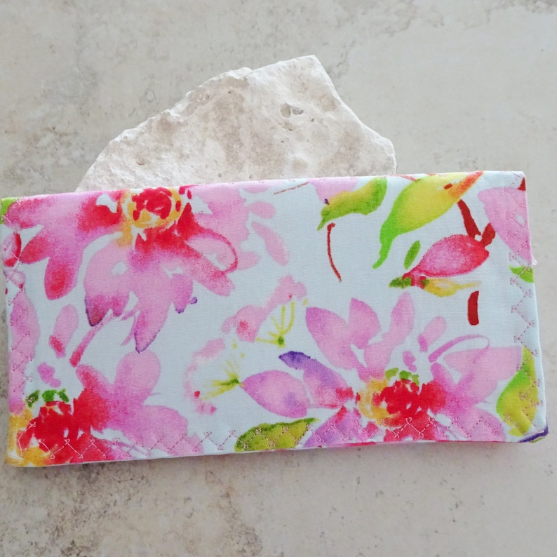 Gift for Mom Slim Billfold Wallet Pink Cottage Chic Checkbook Wallet Organizer Checkbook Cover Pink Floral Fabric Wallet