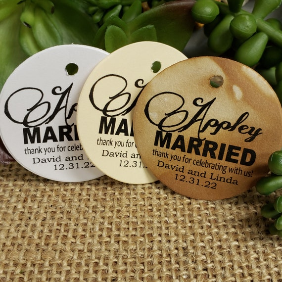 Appley Married Personalized 1.5inch ROUND tag choose your amount Wedding Keepsake souvenir Favor tag card