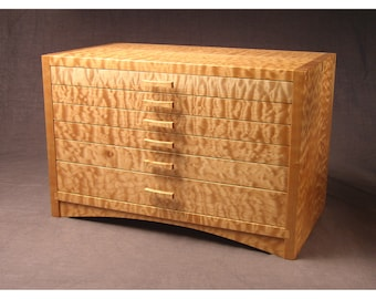 Quilted Bigleaf Maple Dovetailed Jewelry Box