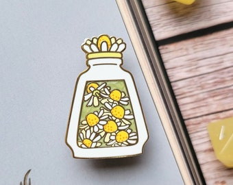 White Chamomile Potion Enamel Pin, Dungeons and Dragons Enamel Pin, DnD Alchemist Pin