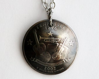Domed Coin Necklace, Tennessee State Quarter Pendant, U.S. Quarter Dollar, 2002, Handmade Coin Jewelry by Hendywood