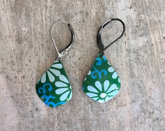 Flower drop dangle earrings from recycled tin can.
