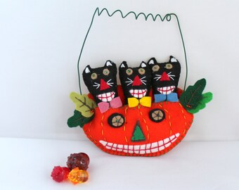 Felt Halloween Ornaments Cats in Orange Jack-O-Lantern, Handmade Felt Hanging Decorations