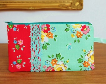 Bright Rosy Coin Pouch, Pencil Case or Jewellery Pouch, Retro Red and Green Flowers Zip Purse with Mint Lace Trim