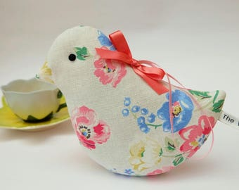 Lavender Bird Sachet in Cream Floral Vintage Flowers, Scented Sachet, Pretty Buff Floral Fabric Scented Sachet