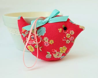 Lavender Sachet Bird in Soft Red Floral Fabric, Ditsy Flower Scented Bird Sachet