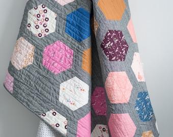 Quilty Love Hexie Framed Quilt Pattern // Fat Quarter // Stash Buster// Baby // Throw // Crib // Emily Dennis