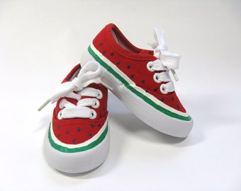 547769cdfd5 Red green shoes