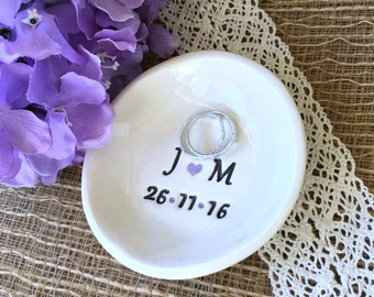 Personalized Ring Dish Simple & Elegant - Wedding Ring Holder, Wedding Ring Dish, Engagement Ring Dish, Bridal Shower Gift, Wedding Gift