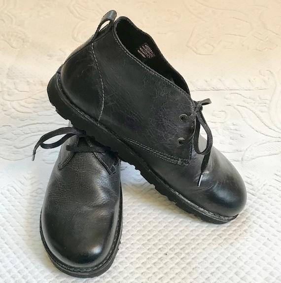 Black chukka boots . Harris Birkenstock . Birkenst