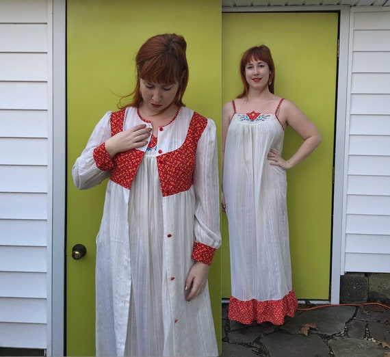 white hippie peignoir . hippie peignoir . 60s dres