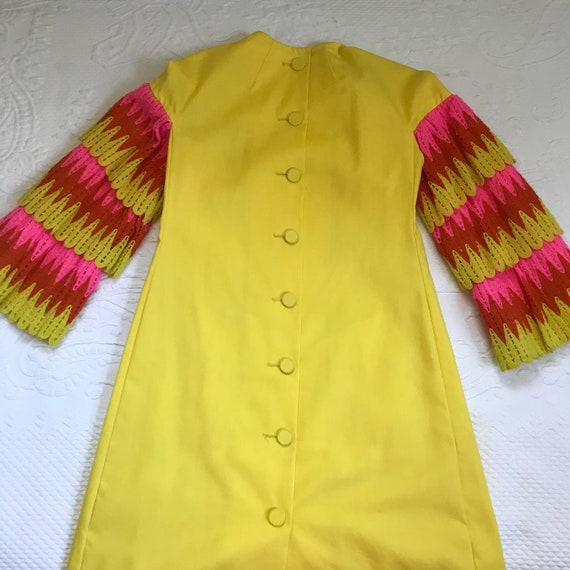60s MOD dress . 60s mini dress . ruffles sleeves - image 3