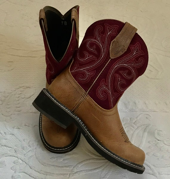 Ariat leather boots . ariat boots . maroon embroid