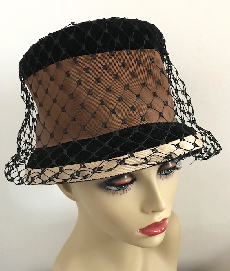 94feee057b716 Lampshade hat . hat with netting . brown and black hat .
