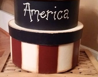 Primitive Patriotic paper mache boxes. Americana Home decoration. rustic country storage