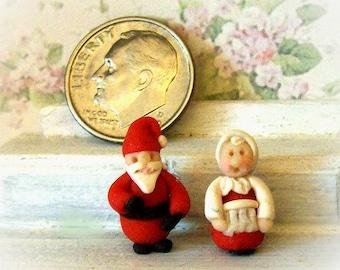 Micro Santa and Mama Claus, Salt and Pepper, Pair of Shakers, Tiny Figurines, Holiday Decor, Christmas Decor, Artisan Dollhouse