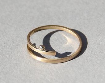 Kimora gold Spule ring, kleine Diamant-Verlobungsring, alternative Verlobungsring gold, zierliche Diamant-Ring, zarte Diamant-Verlobungsring