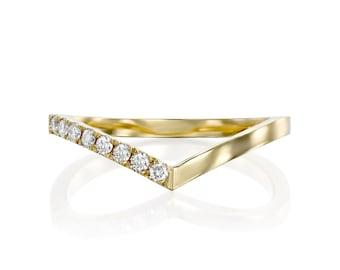 Gold ring set with diamonds Geometric and minimalist ring Wedding ring