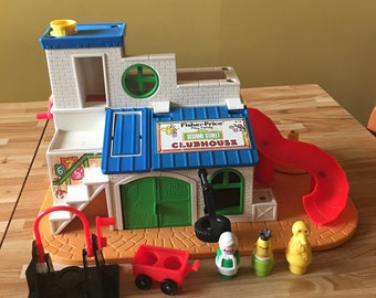 Vintage Fisher Price Sesame Street Clubhouse Little People 1976 Children Playset Toy