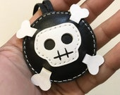 Small size - Ashbren the Skull cowhide leather charm ( Black / white )