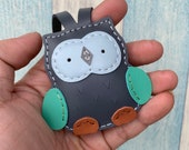 Small size - Fanny the Owl cowhide leather charm ( Dark gray )