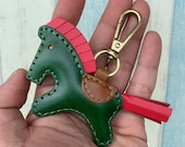 Small size - Beon the vegetable tanned leather horse keychain with lobster clasps version ( Dark green  )