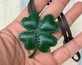 Small size - Mini Clover the vegetable tanned leather leather charm ( Green )