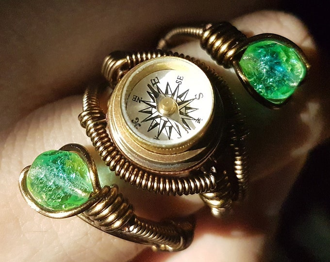 Steampunk Ring, Working Compass Ring, Adjustable Size 9 to 13 US - Uran Vaseline glass