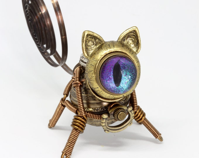 Little Steampunk cat robot sculpture - iridescent eye