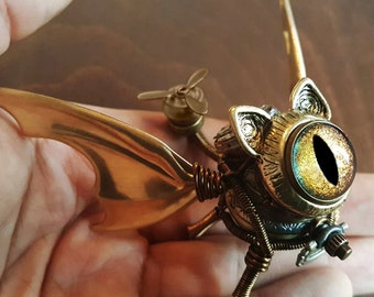 Steampunk Winged Cat Sculpture with  copper golden iridescent eye, Dice Guardian, Dungeons and Dragons, DND familiar, D&D art miniature