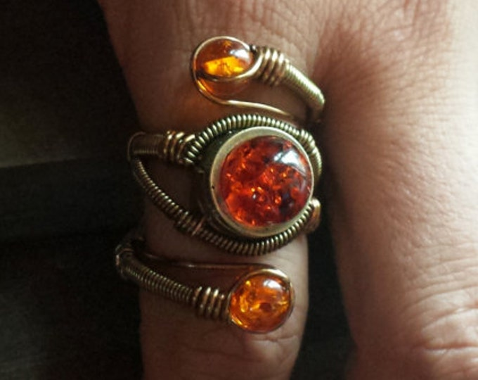 Amber ring, Steampunk Ring - Adjustable Size 9 to 13 US - Brass Copper with MYSTERIOUS Amber - Prototype