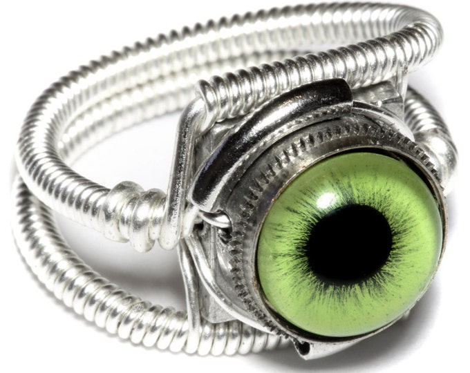 Eyeball ring, Green Eye, Silver Finish, Steampunk ring, Catherinette Rings, beholder ring