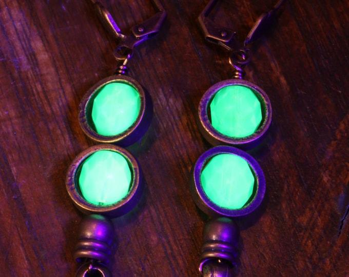 Steampunk Earrings - Uranium Vaseline glass